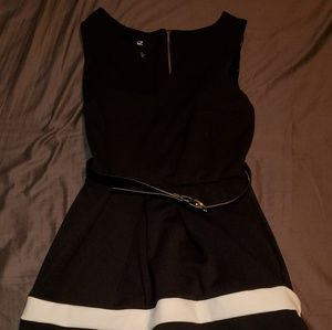 Black and White dress with pockets